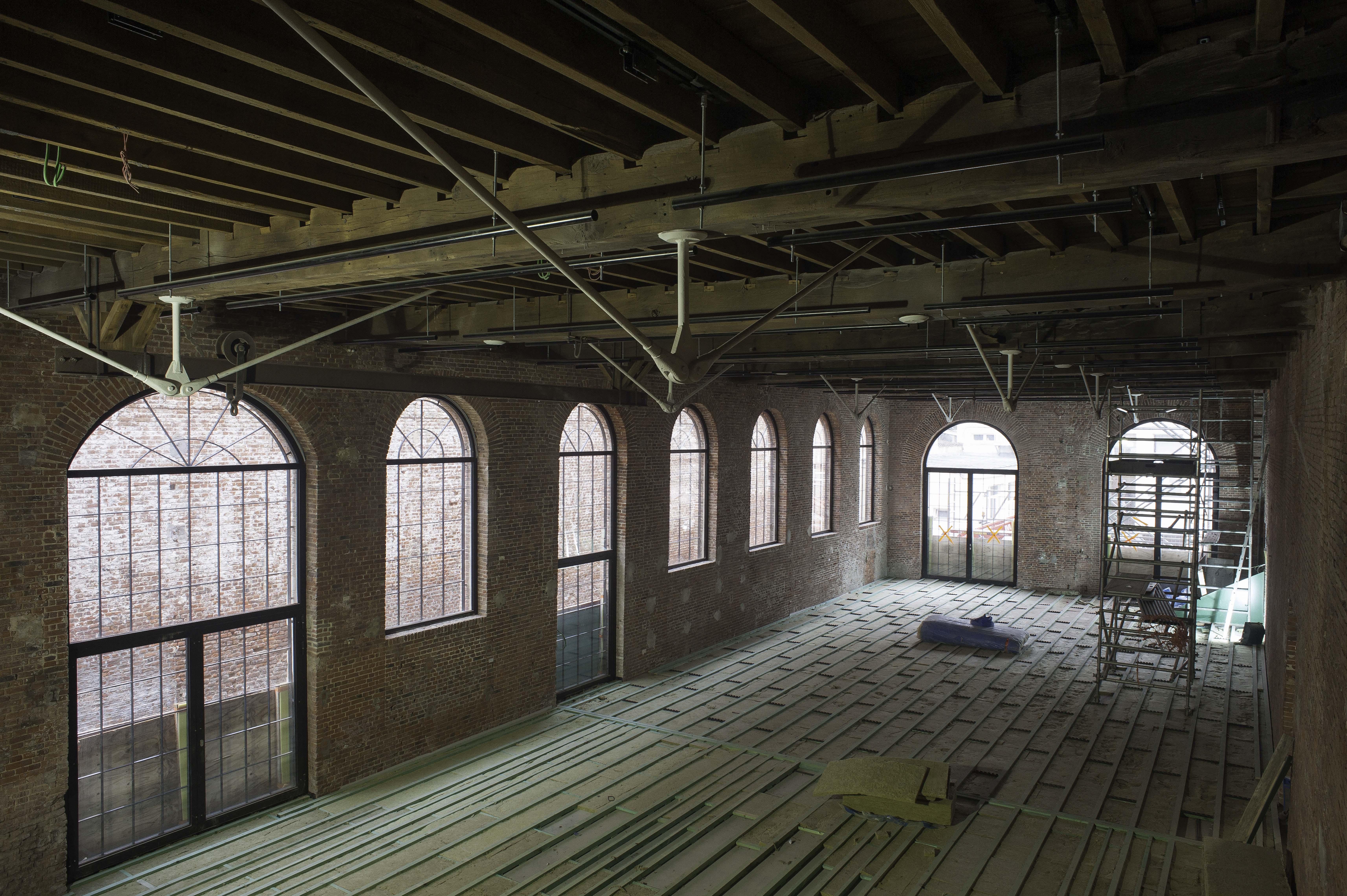 60m³ bakstenen die ter plaatse worden hergebruikt – Project Loodtoren, Arnaud Dawans
