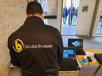 Circular.brussels en LEAD Belgium verkleinen de digitale kloof van de Federatie Wallonië-Brussel door studenten uit te rusten met 1000 laptops