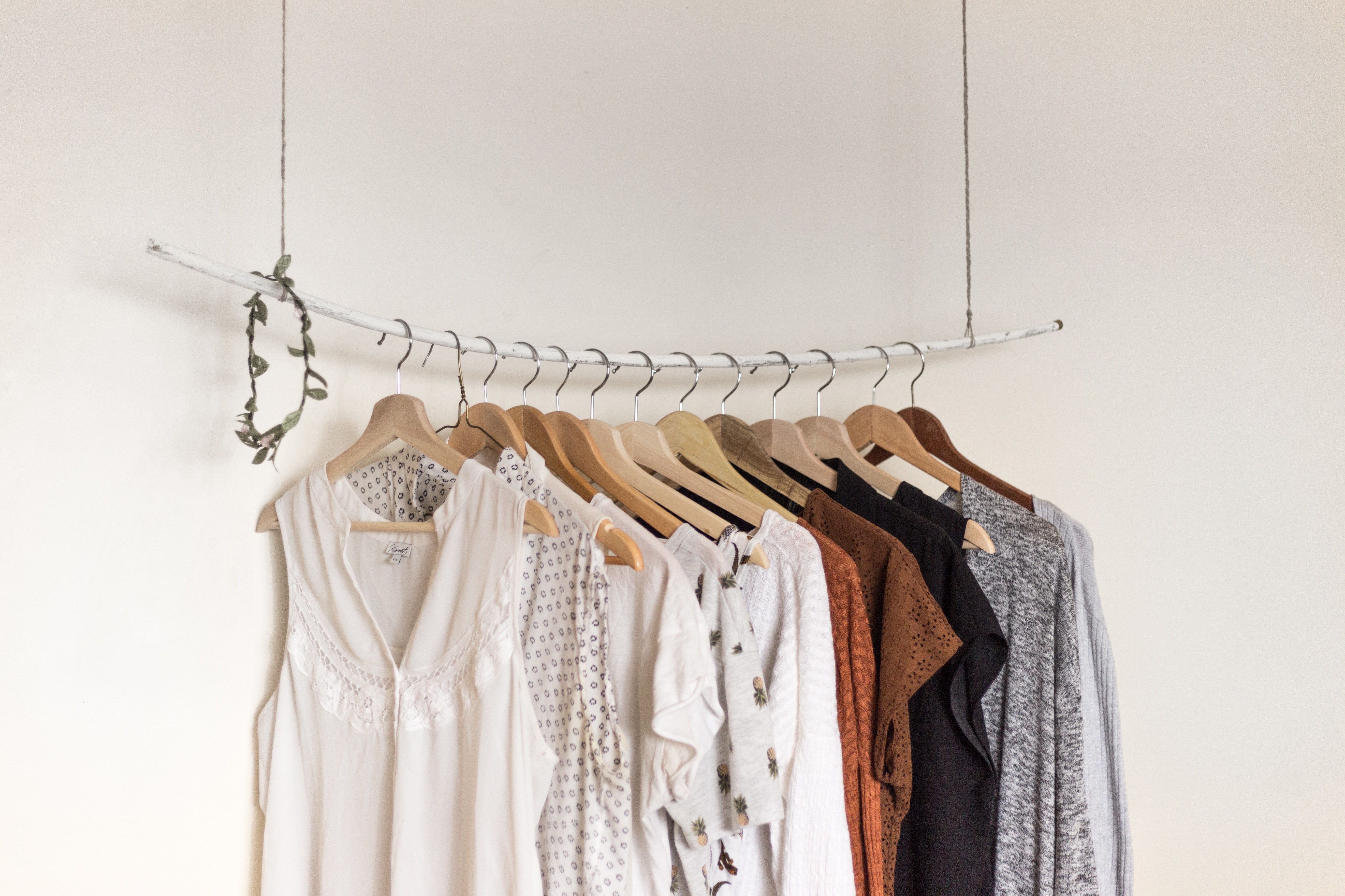 De gids voor duurzame en lokale kledij voor een schappelijke prijs